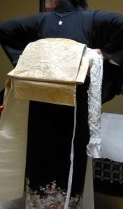 作り帯の着付け01